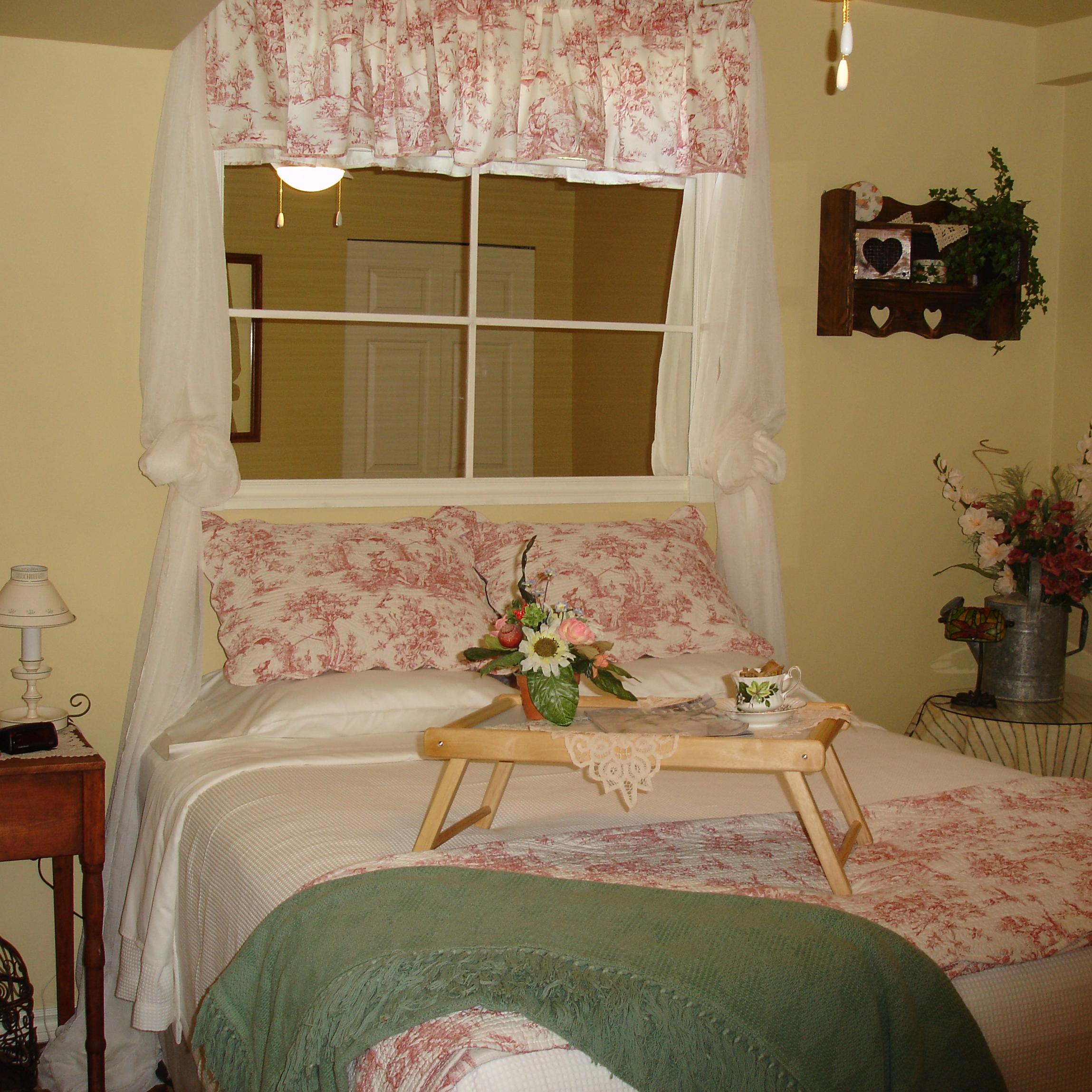 Sylvan Room Osoyoos Bed and Breakfast